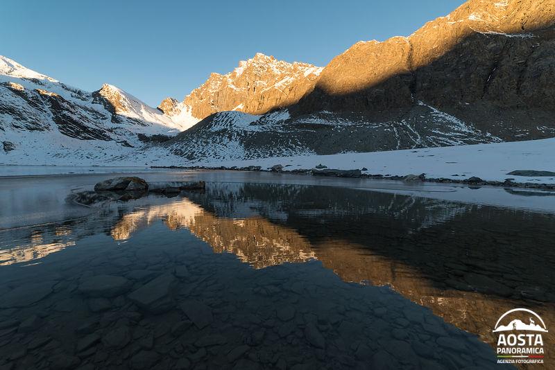 Alba lago goletta
